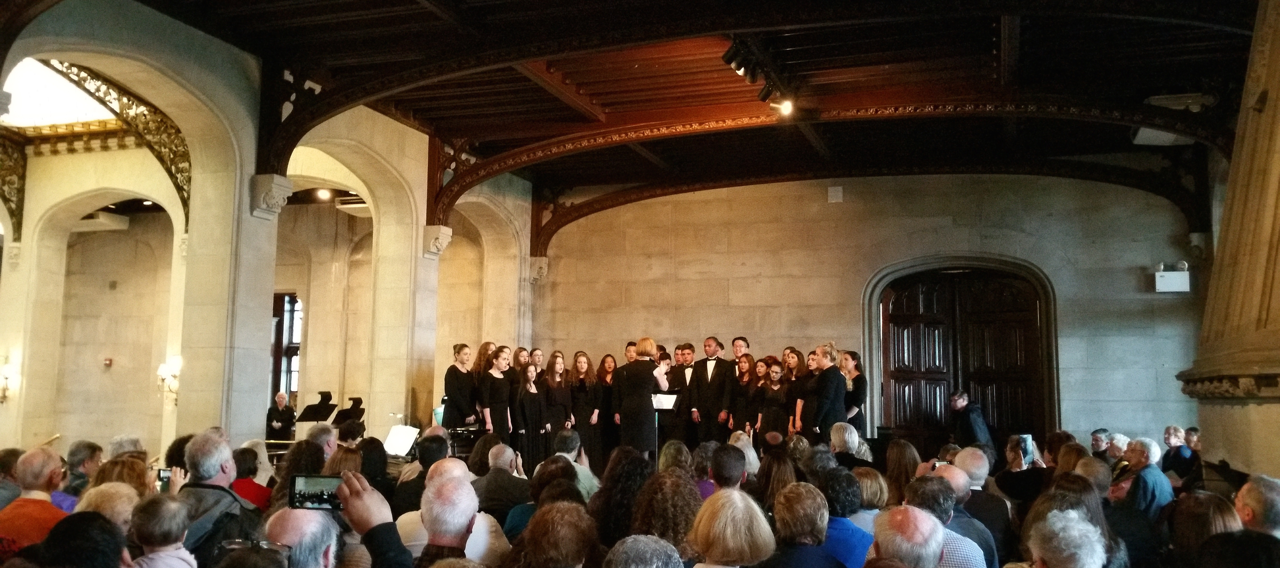 Choral group performs at the Sands Point Preserve