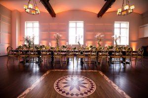 A table arrangement
