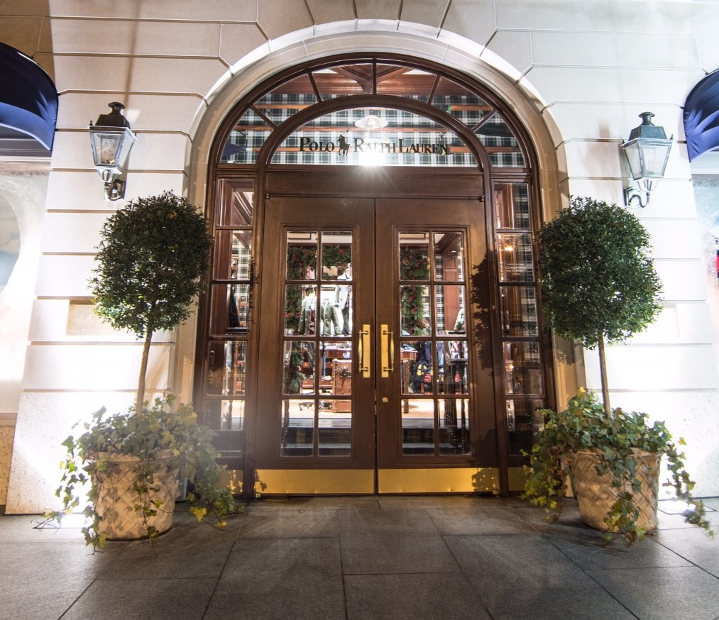 Photo of the front entrance of the Ralph Lauren store at Americana Manhasset shopping mall.